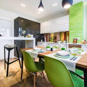 С чем сочетается зеленый цвет в интерьере кухни