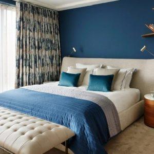 Оформление спальни в синих тонах